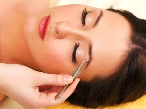 Eyebrow Shaving Tips for Women